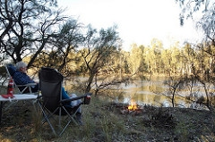 https://sites.google.com/site/webbartworks/the-australia-series/camping-by-the-murray-2015/Stop%2023.jpg